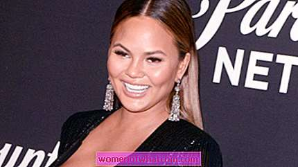 Chrissy Teigen: Sweet Mom Daughter Photo a New York